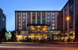 Holiday Inn Hotel & Suites Vancouver Downtown
